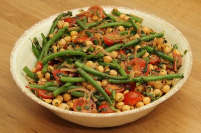 Green bean and chickpea salad