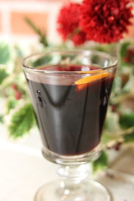 Lightly spiced mulled wine